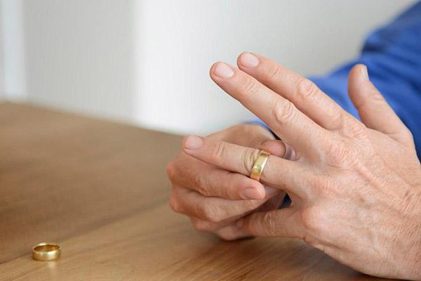 طلاق زن
